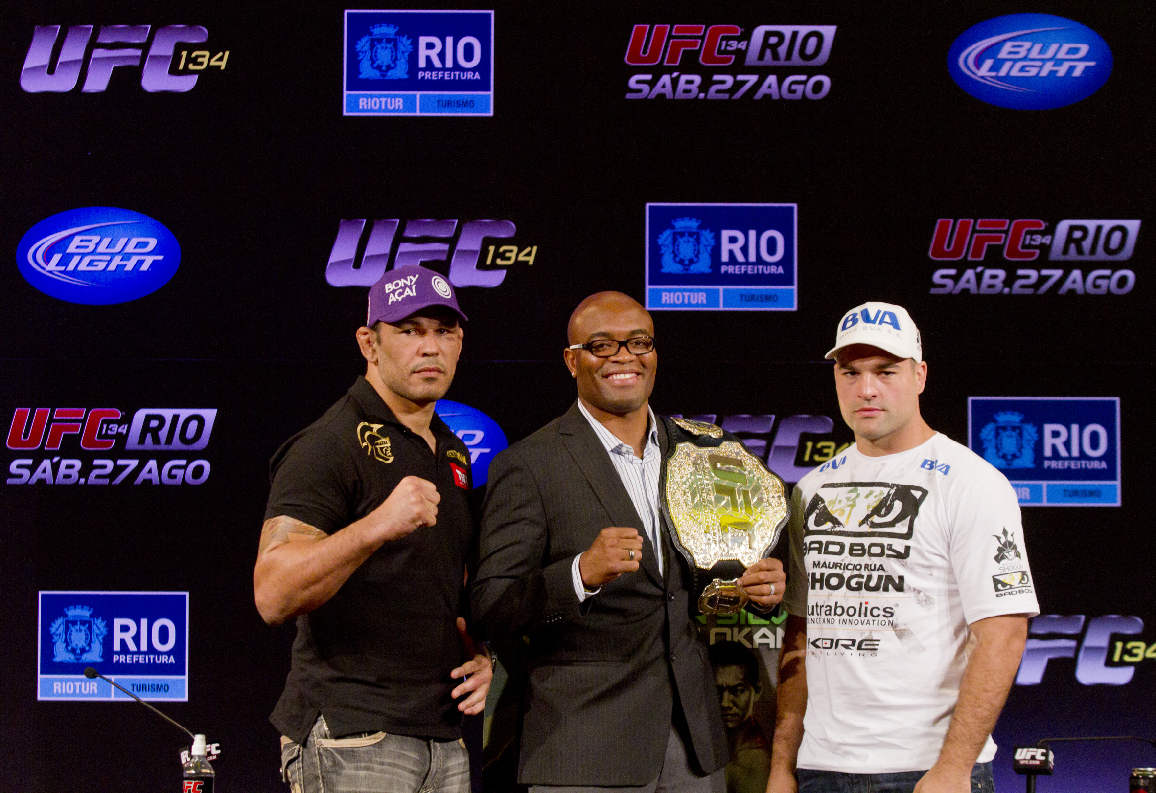The three Brazilian fighters are ready to fight in their home country.