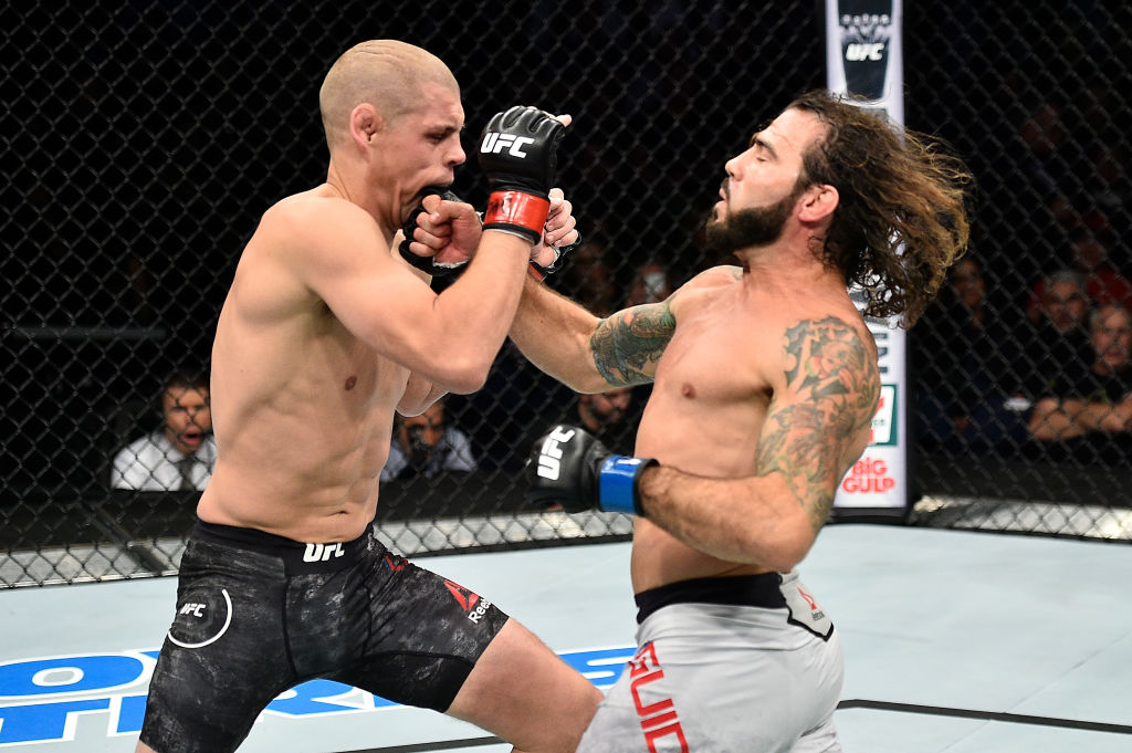 Clay Guida punches Joe Lauzon during Fight Night Norfolk
