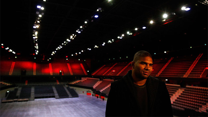 ROTTERDAM, NETHERLANDS - MARCH 22: Alistair Overeem of the Netherlands speaks to the media during the UFC photo call at Ahoy on March 22, 2016 in Rotterdam, Netherlands. UFC Fight Night 87 takes place May 8 at Ahoy Rotterdam. (Photo by Dean Mouhtaropoulos/Zuffa LLC)