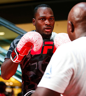 Middleweight contender Derek Brunson practices during the Open Workouts at the Vila Olimpia Mall for the UFC Fight Night Sao Paulo on October 25, 2017 in Sao Paulo, Brazil. (Photo by Alexandre Schneider/Zuffa LLC)