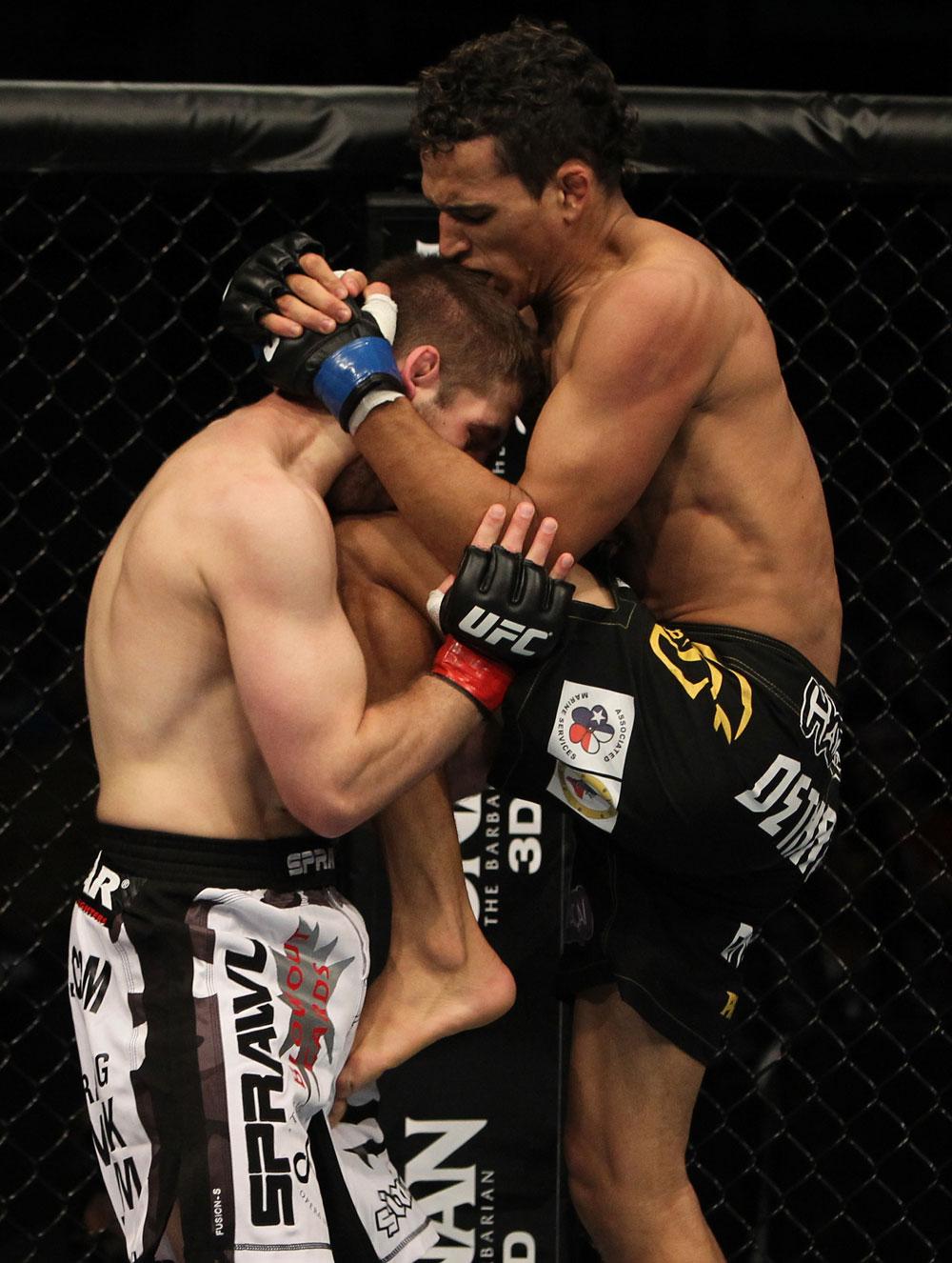 Charles Oliveira vs Nik Lentz