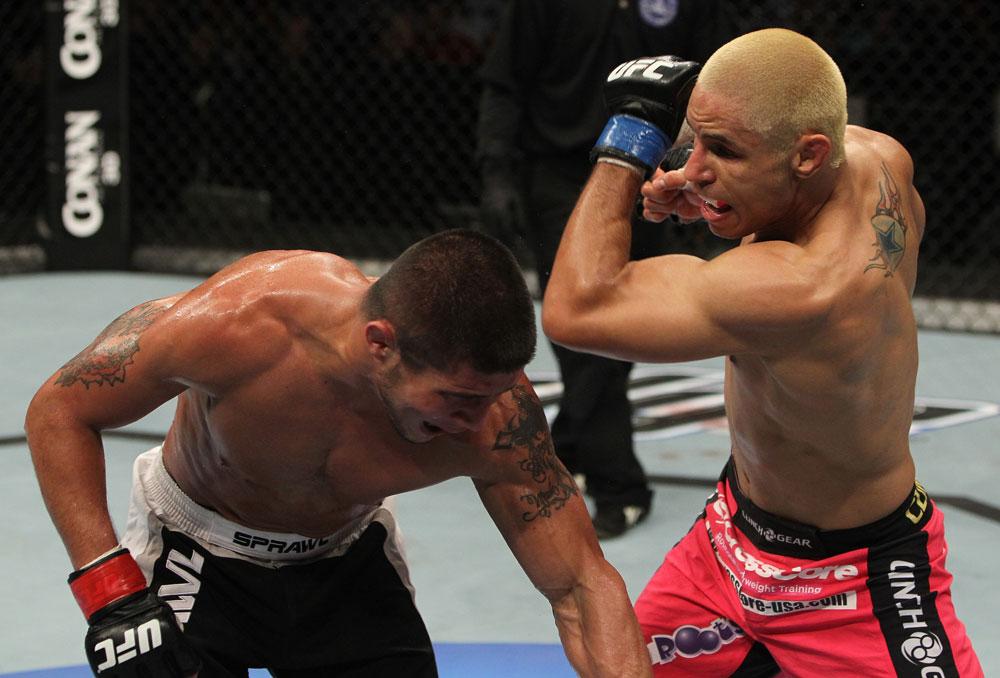 Javier Vazquez vs Joe Stevenson