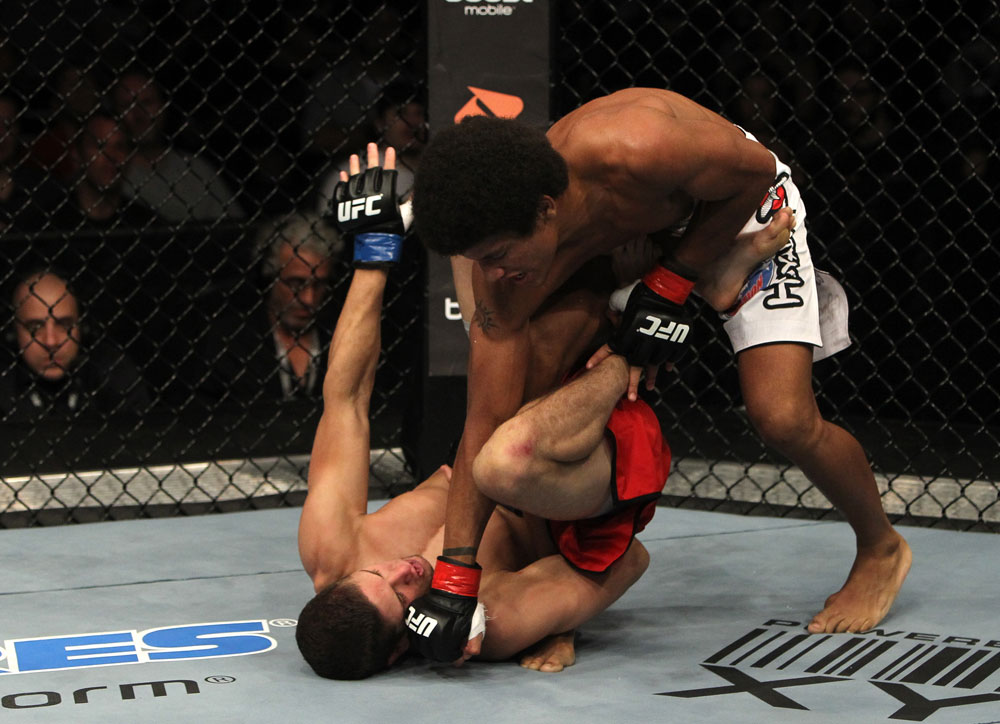 Jimy Hettes vs Alex Caceres