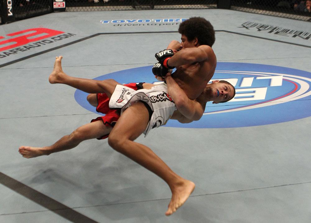 UFC featherweight Jimy Hettes