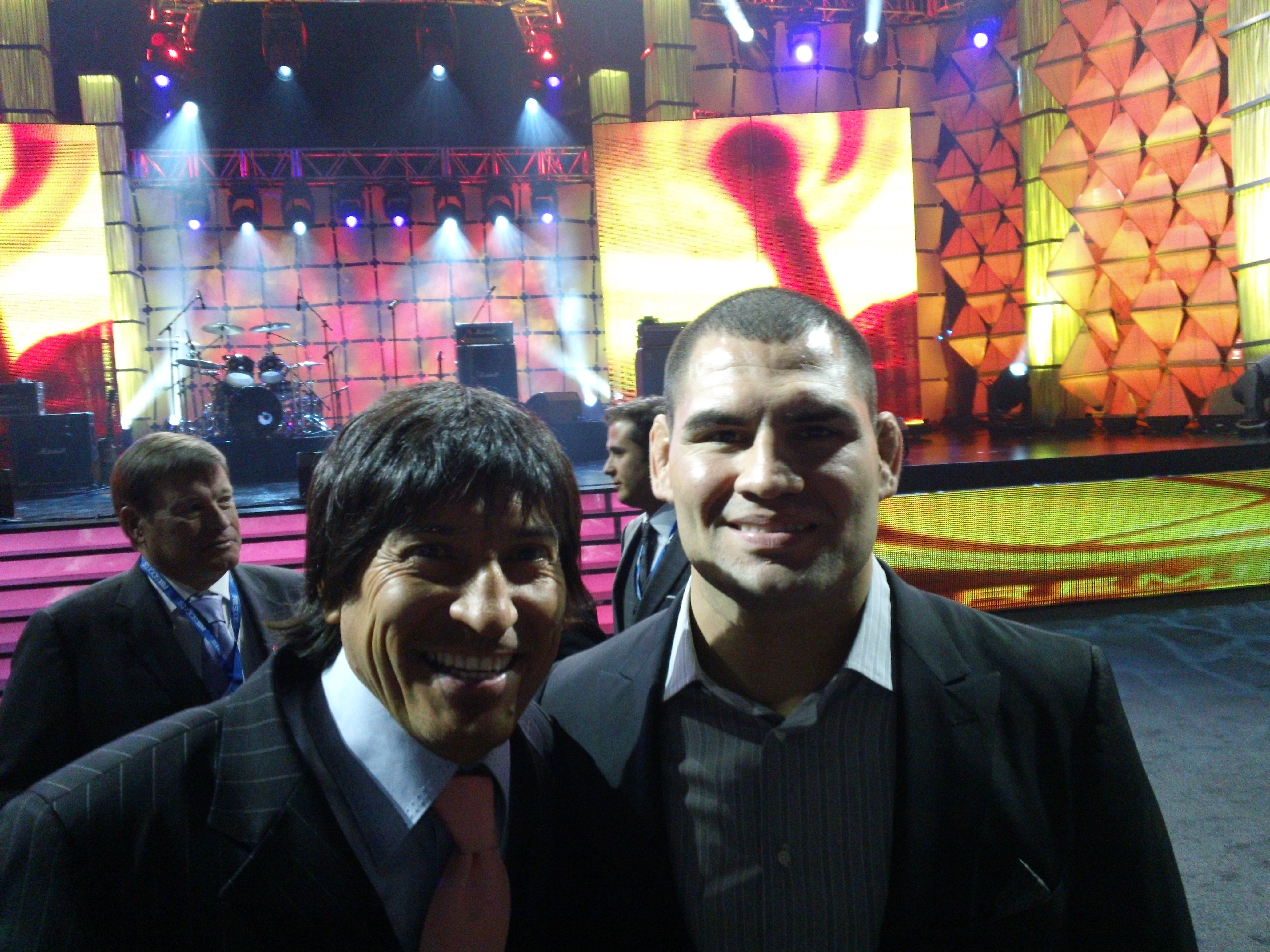 Cain Velasquez y Ivan Zamorano