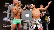 Pesagem do UFC® Johnson vs Dodson no dia 25 de janeiro, 2013 no Chicago Theatre em Chicago, Illinois. (Fotos de Josh Hedges/Zuffa LLC/Zuffa LLC via Getty Images)