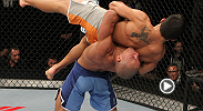 Diego Brandao survives an all-out blitz from Dennis Bermudez, sinking in a last-second armbar to become the TUF 14 winner.