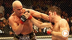 "Thiago Alves vs Derrick Noble, Jason Lambert vs Rob MacDonald, Thiago Alves vs Ansar Chalangov, and Tito Ortiz vs Forrest Griffin sont à l'affiche de cet épisode de la série ""UFC Unleashed""."