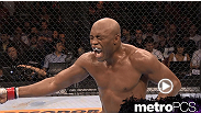 Watch as middleweight champions Anderson Silva lands a devastating knee to the body against light heavyweight Stephan Bonnar in the Move of the Week.