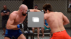 Photos tirées du second épisode de la série The Ultimate Fighter 19 dont l'affrontement entre Hector Urbina et Cathal Pendred.