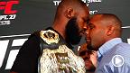 El evento estelar de UFC 178 pasó del sencillo careo frente a la prensa  entre Jon Jones y Daniel Cormier a una pelea real con ambos peleadores yendo al piso.