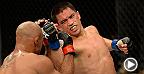 """Le poids mouche Chris """"Kamikaze"""" Cariaso tentait de rebondir après deux revers en obtenant une victoire contre Iliarde Santos.  Voyez maintenant Cariaso se mesurer au champion poids mouche Demetrious Johnson en combat principal de l'UFC 178."""