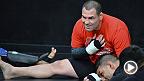 UFC 180: ケイン・ヴェラスケスがTUFラテンアメリカでのコーチ経験を語る