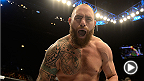 """UFC 168にて、前2戦で見事な勝利をあげたトラヴィス・""""ハパ""""・ブラウンはジョシュ・バーネットを1ラウンドKOに仕留めて連勝記録を伸ばしてみせた。ブラウンはラスベガスで行われるUFC 181にてブレンダン・シャウブを相手にタイトル戦線への復帰を目指す。"""