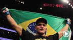 O brasileiro volta ao octógono contra Stipe Miocic, na mesma noite em que Rafael dos Anjos enfrenta Nate Diaz. Não perca, dia 13 de dezembro, apenas no Canal Combate  *Assine o Canal Combate - http://glo.bo/1kKhnP0