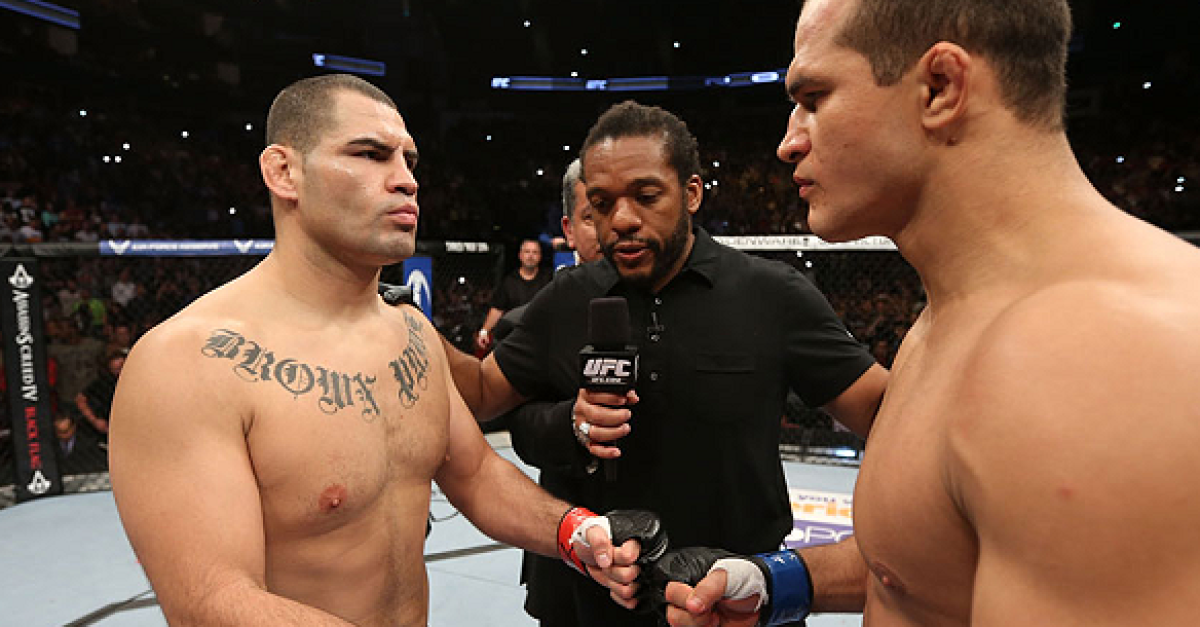 UFC 188: Fight Flashback - Velasquez vs. Dos Santos III ...