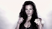 Miesha Tate parle de ses émotions lorsqu'elle entre dans l'Octogone, de sa confiance en elle, des arts martiaux et plus encore. Tate affrontera Jessica Evil' Eye en combat co-principal de l'UFC Fight Night : Dillashaw vs Barao 2 à Chicago, Illinois.