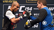 Check out the best highlights from UFC 194 Open Workouts featuring Jose Aldo, Conor McGregor, Chris Weidman, and Luke Rockhold. Then hear all four mean chat with UFC correspondent Megan Olivi.