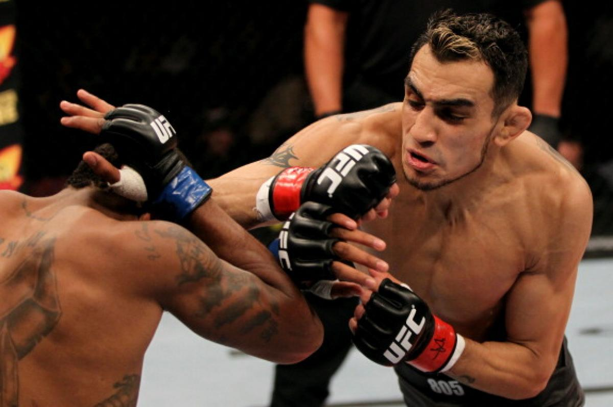 Fight Night Mexico City Tony Ferguson Taking Necks