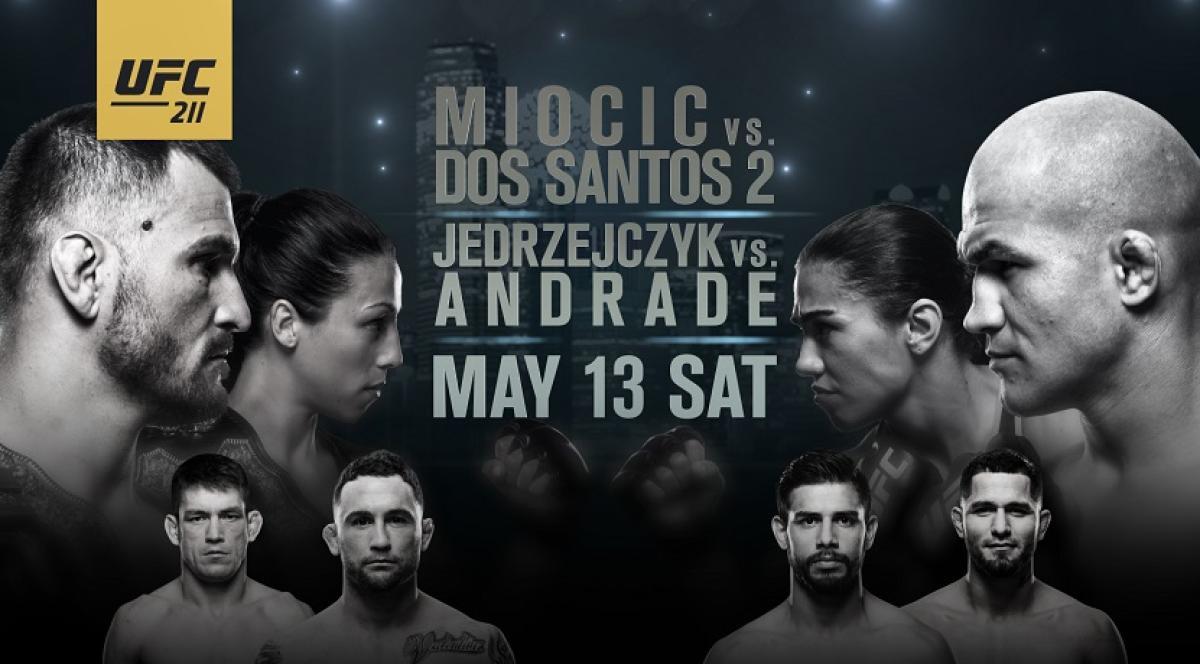 UFC 211:ダブルタイトルマッチ...