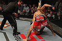 Donald Cerrone vs Charles Oliveira