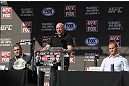 (L-R) UFC heavyweight champion Cain Velasquez, UFC President Dana White & Junior dos Santos