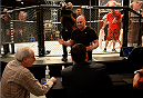 LAS VEGAS, NV - NOVEMBER 8:  UFC President Dana White interacts with the judges after the bout between team Edgar fighter Joseph Stephens and team Penn fighter Roger Zapata in their preliminary fight during filming of season nineteen of The Ultimate Fighter on November 8, 2013 in Las Vegas, Nevada. (Photo by Al Powers/Zuffa LLC/Zuffa LLC via Getty Images) *** Local Caption *** Dana White
