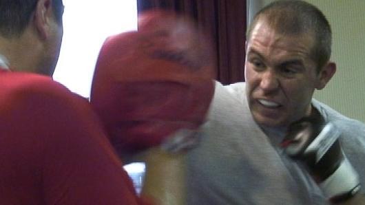 Alan Belcher entrenando, también lesionado y fuera de UFC 153