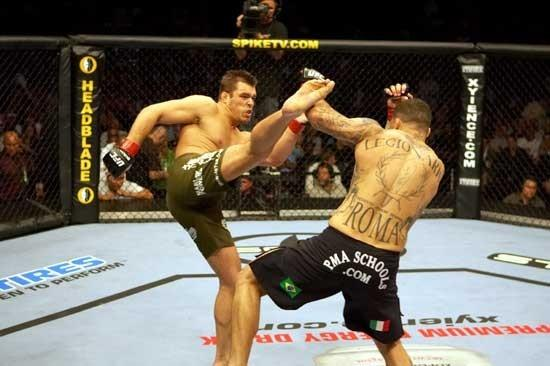 http://media.ufc.tv/migrated_images/92008531-1422-0E8C-9AA0B9666F471152.jpg