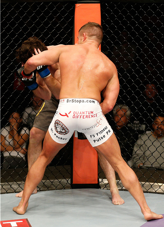 Daron Cruickshank vs Mike Rio