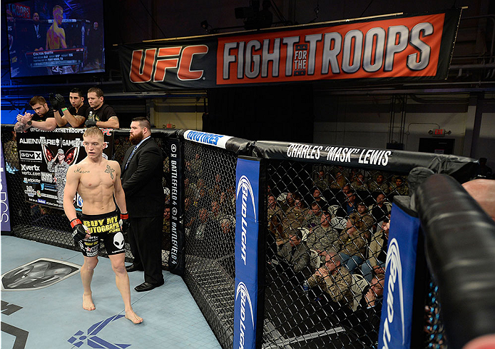 FORT CAMPBELL, KENTUCKY - NOVEMBER 6:  Colton Smith (black shorts) prepares to face Michael Chiesa in their UFC lightweight bout on November 6, 2013 in Fort Campbell, Kentucky. (Photo by Jeff Bottari/Zuffa LLC/Zuffa LLC via Getty Images) *** Local Caption ***Colton Smith