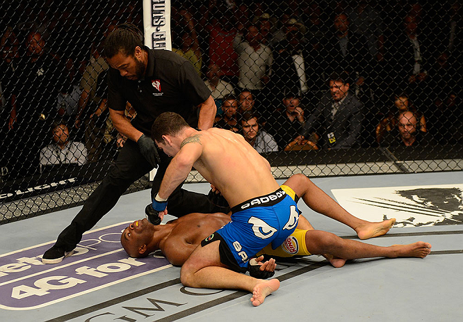 Weidman puts the finishing touches on Silva