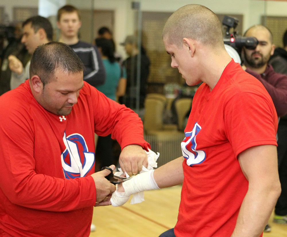 Joe Lauzon (R) works out for the media at the UFC 123 open workouts at the Detroit Athletic Club on November 18, 2010 in Detroit, Michigan.  (Photo by Josh Hedges/Zuffa LLC/Zuffa LLC via Getty Images)