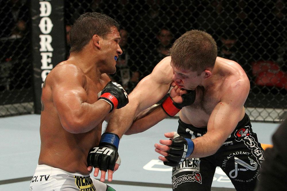 UFC 123: Tyson Griffin vs. Nik Lentz