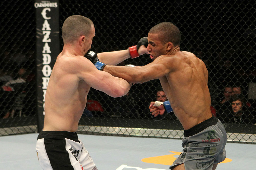 UFC123: Edson Barboza vs. Darren Elkins