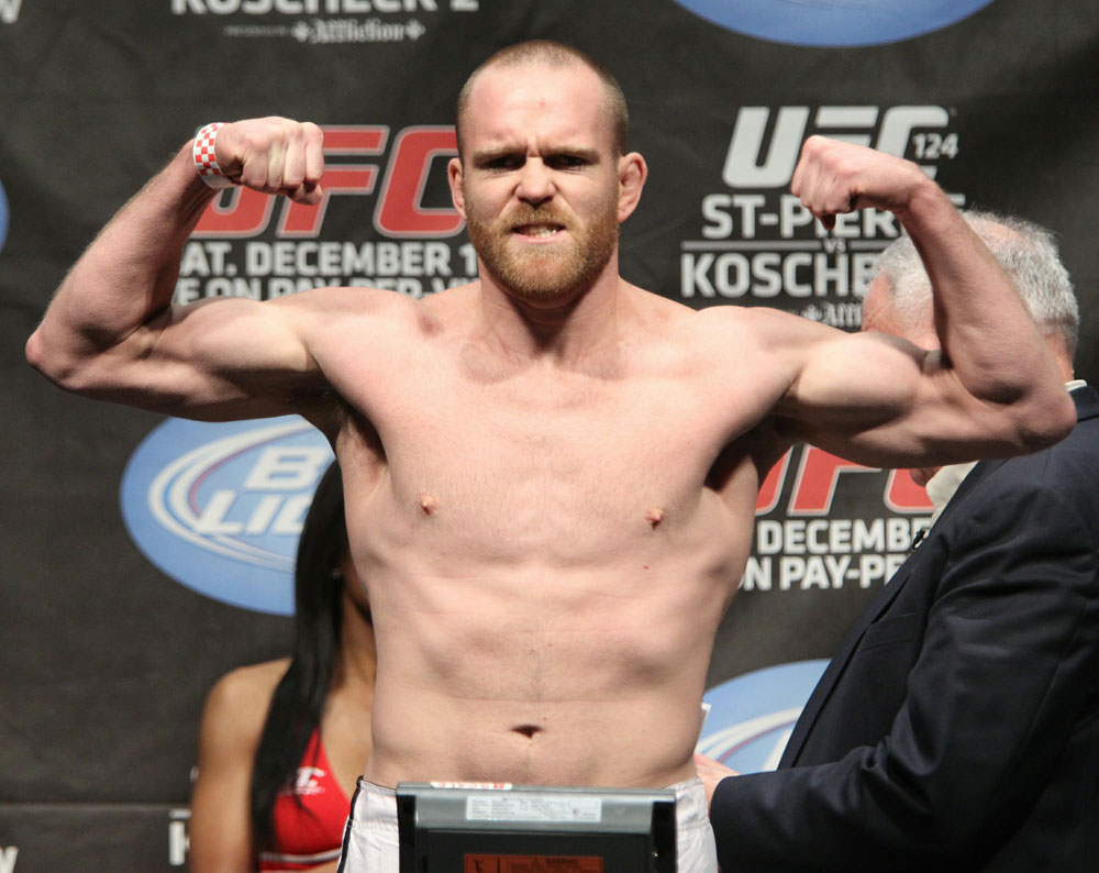 UFC 124 Weigh-in: TJ Grant weighs in at 170lbs.