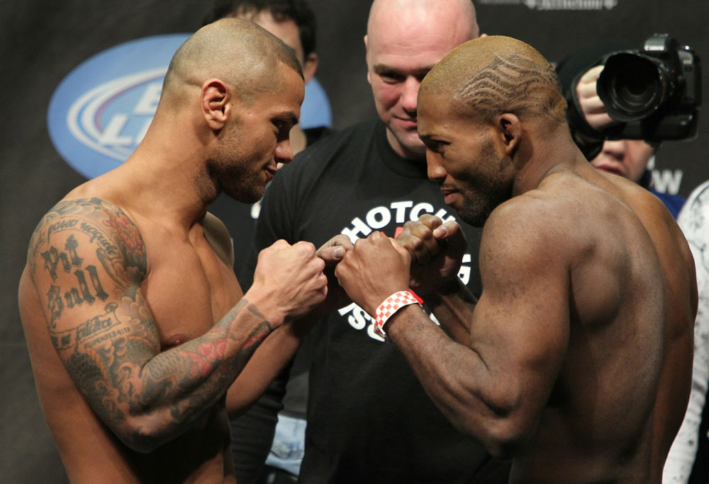 UFC 124 Weigh-in: Alves vs. Howard