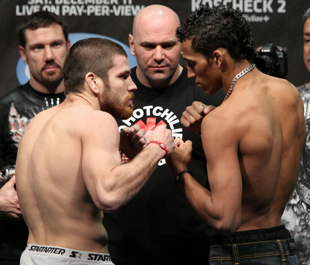 UFC 124 Weigh-in: Miller vs. Oliveira