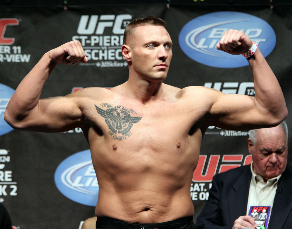 UFC 124 Weigh-in: Sean McCorkle weighs in at 264lbs.
