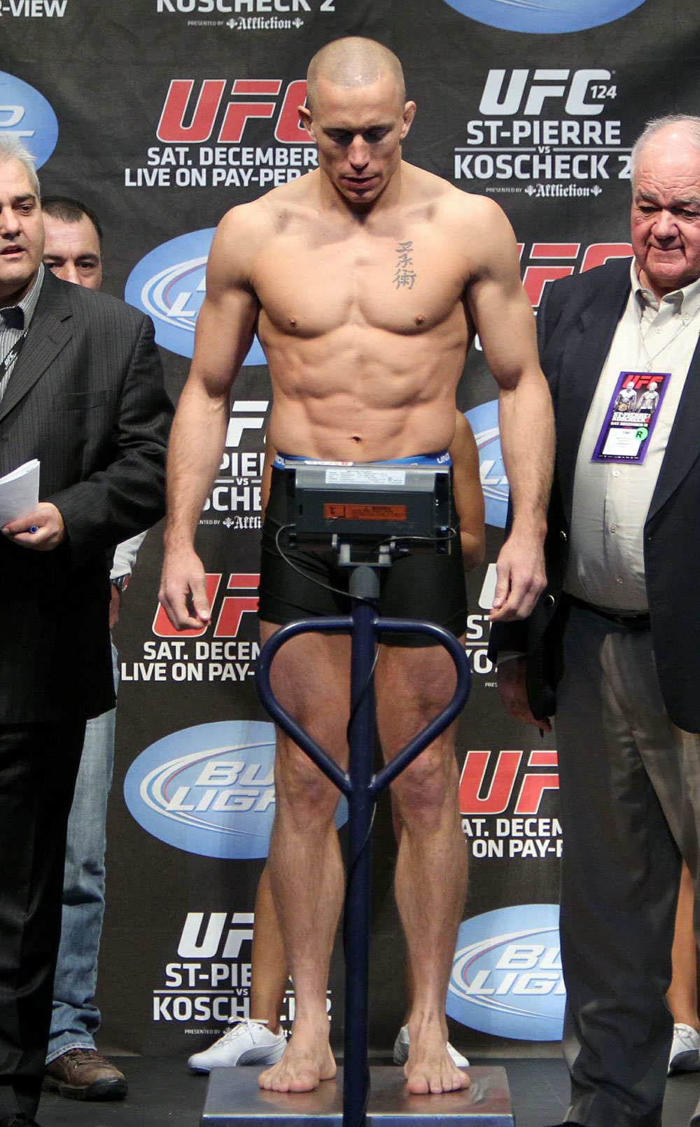 UFC 124 Weigh-in: Georges St-Pierre weighs in at 170lbs.