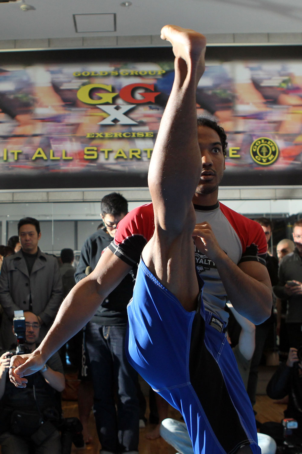 TOKYO, JAPAN - FEBRUARY 22:  Benson Henderson works out for the media during the UFC 144 open workouts at Gold's Gym on February 22, 2012 in Tokyo, Japan.  (Photo by Josh Hedges/Zuffa LLC/Zuffa LLC via Getty Images) *** Local Caption *** Benson Henderson