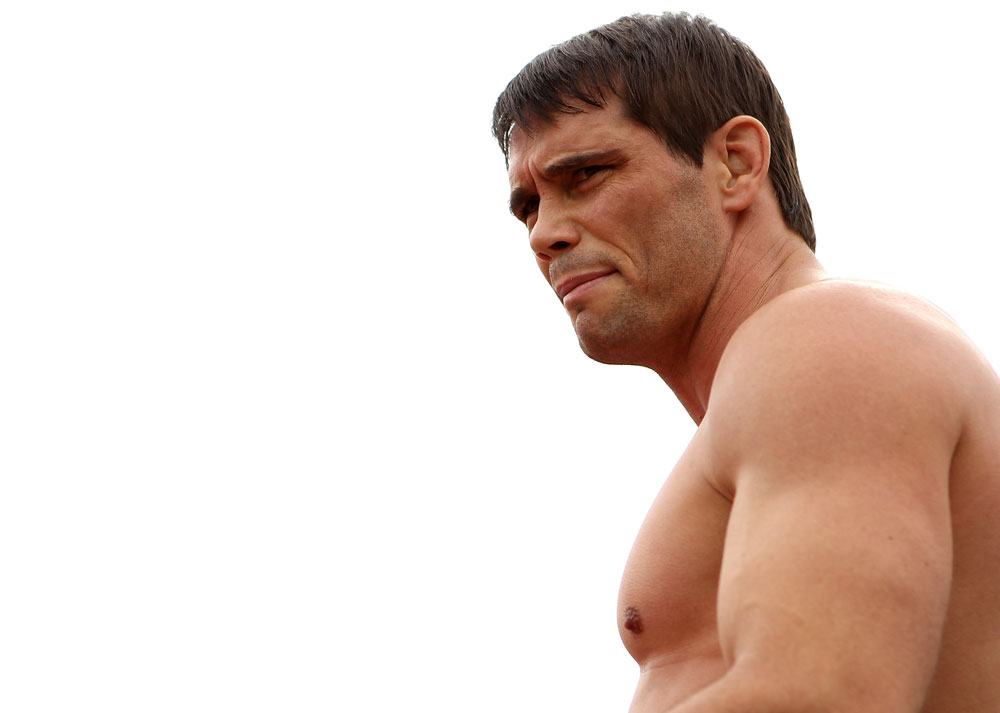 BELO HORIZONTE, BRAZIL - JUNE 20:   Rich Franklin works out for the fans and media during the UFC 147 open workouts at Praca da Estacao on June 20, 2012 in Belo Horizonte, Brazil.  (Photo by Josh Hedges/Zuffa LLC/Zuffa LLC via Getty Images)