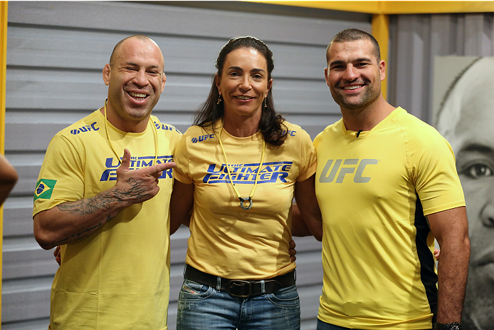 SAO PAULO, BRAZIL - JANUARY 30:  (R-L) Mauricio 'Shogun' Rua, sports advisor Isabel Salgado and Coach Wanderlei Silva poses for a photo before Team Wanderlei fighter Paulo Costa faces Team Sonnen fighter Marcio Junior in their middleweight fight during season three of The Ultimate Fighter Brazil on January 30, 2014 in Sao Paulo, Brazil. (Photo by Luiz Pires Dias/Zuffa LLC/Zuffa LLC via Getty Images) *** Local Caption *** Mauricio Rua; Wanderlei Silva; Isabel Salgado