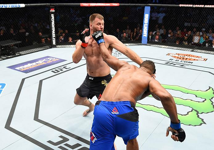 CLEVELAND, OH - SEPTEMBER 10:  (R-L) Alistair Overeem of The Netherlands punches Stipe Miocic in their UFC heavyweight championship bout during the UFC 203 event at Quicken Loans Arena on September 10, 2016 in Cleveland, Ohio. (Photo by Josh Hedges/Zuffa LLC/Zuffa LLC via Getty Images)