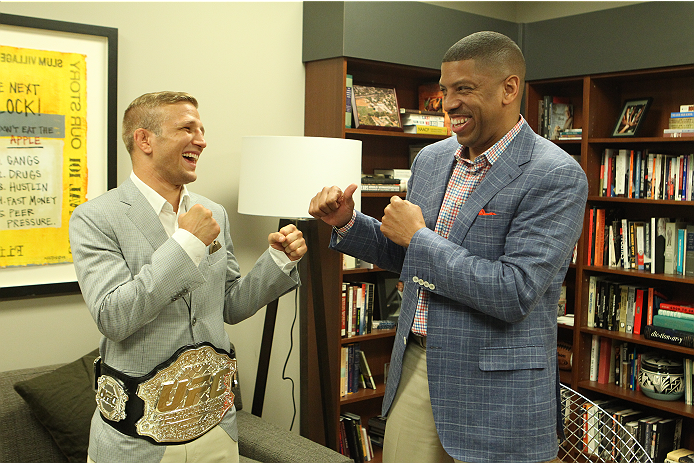 SACRAMENTO, CA - MAY 29:  UFC Star TJ Dillashaw (L) poses with Sacramento Mayor Kevin Johnson at City Hall on May 29, 2014 in Sacramento, California.  (Photo by Alexis Cuarezma/Zuffa LLC/Getty Images)