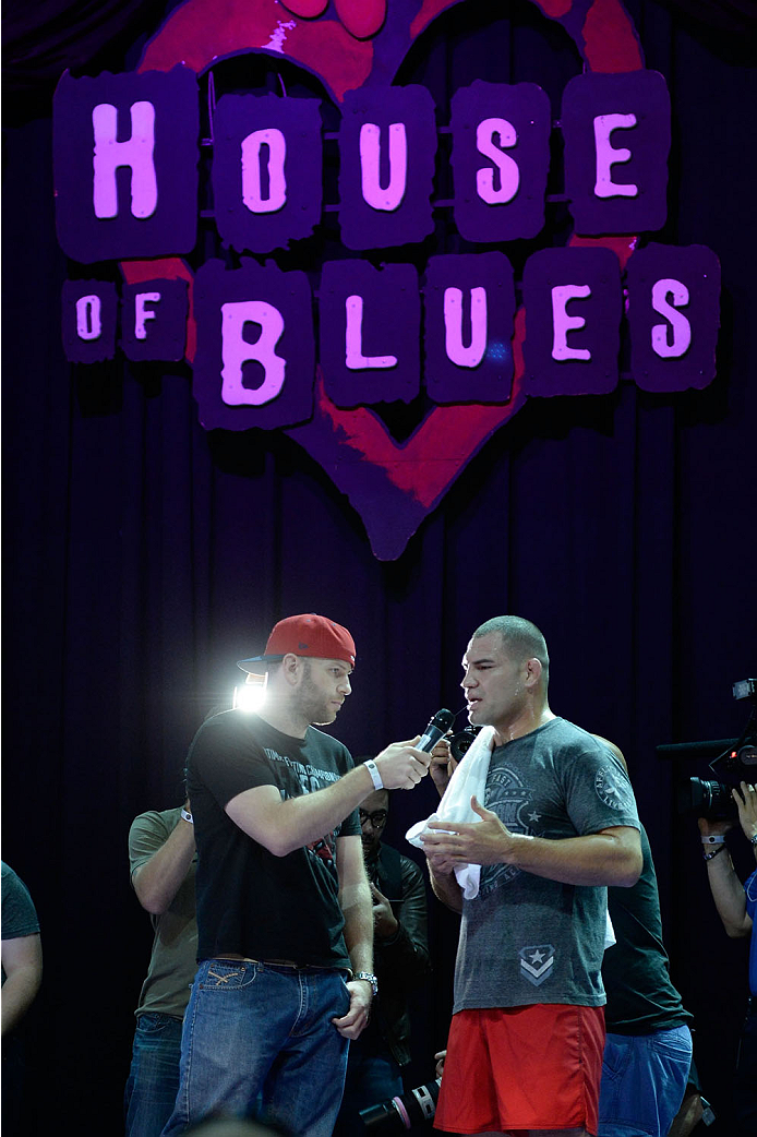 HOUSTON, TX - OCTOBER 16:  UFC Heavyweight Champion Cain Velasquez speaks to the media inside House of Blues on October 16, 2013 in Houston, Texas. (Photo by Jeff Bottari/Zuffa LLC/Zuffa LLC via Getty Images) *** Local Caption *** Cain Velasquez