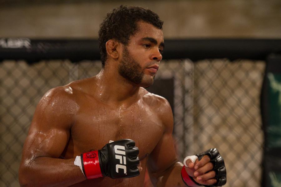 """UFC featherweight Hugo """"Wolverine"""" Viana"""