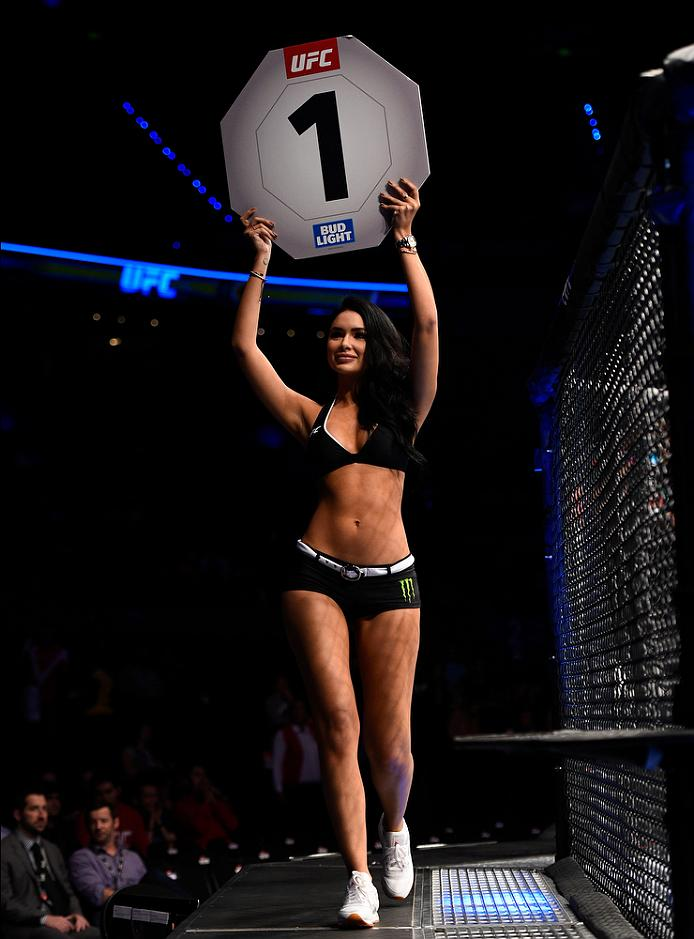 MEXICO CITY, MEXICO - NOVEMBER 05:  UFC Octagon Girl Jamilette Gaxiola introduces the first round during the UFC Fight Night event at Arena Ciudad de Mexico on November 5, 2016 in Mexico City, Mexico. (Photo by Jeff Bottari/Zuffa LLC/Zuffa LLC via Getty Images)