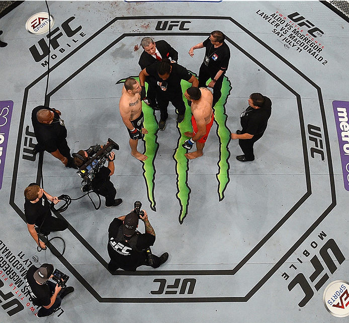 MEXICO CITY, MEXICO - JUNE 13:   An overhead view of the Octagon as Fabricio Werdum of Brazil and Cain Velasquez of the United States face off in their UFC heavyweight championship bout during the UFC 188 event inside the Arena Ciudad de Mexico on June 13, 2015 in Mexico City, Mexico. (Photo by Josh Hedges/Zuffa LLC/Zuffa LLC via Getty Images)