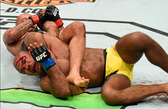 Demetrious Johnson submits Wilson Reis at Fight Night Kansas City